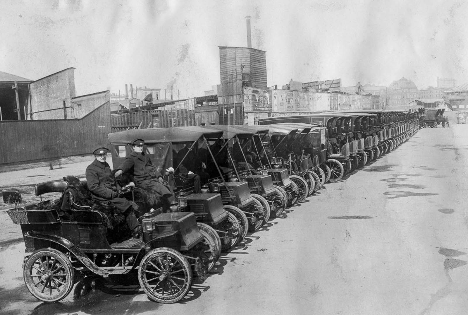 Electric cars of the New York Edison Company line up in Manhattan. 1906.