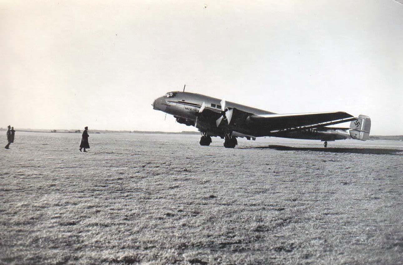 nhungdoicanh Junkers Ju90