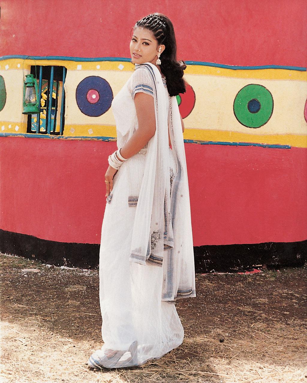 Sneha Stills Murattu Kaalai Sneha Upcoming Tamil Movie: Sneha In Singakottai Movie Stills