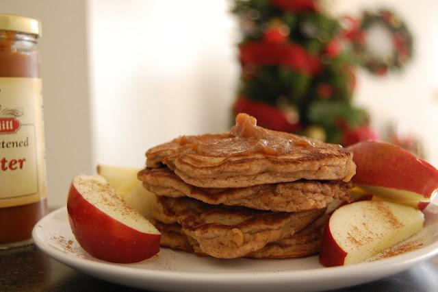DSC 1267 - Low Carb Apple Cinnamon Pancakes