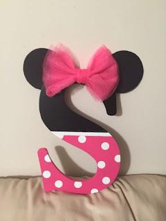 Litera nume botez tematic Minnie Mouse cu urechi si funda roz
