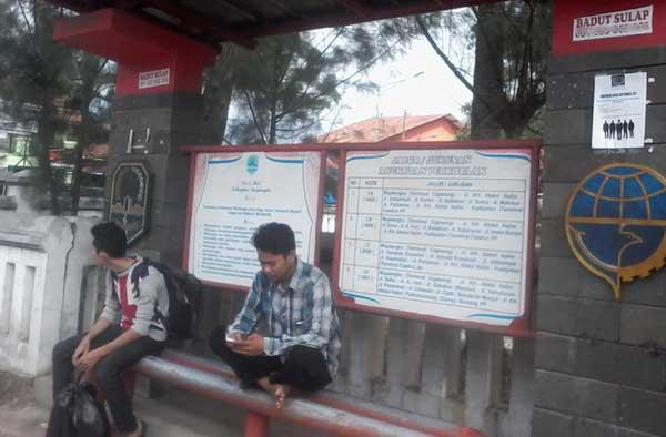 halte bus di majalengka banyak yang beralih fungsi