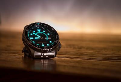 timepiece pocket watch wristwatch quartz mechanical digital smartwatch
