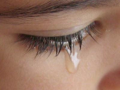 Wanita menangis.jpg