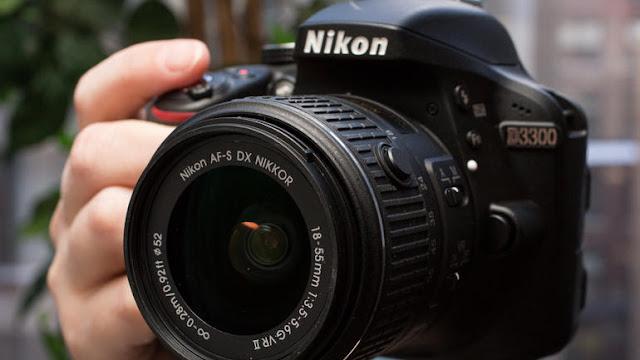 Nikon D3300 Appareil photo numérique Reflex 24,2 Mpix Boîtier nu Noir