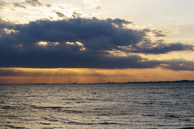 海浜幕張公園・幕張の浜からの景色
