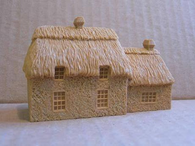 7204 House with Annex, Thatched