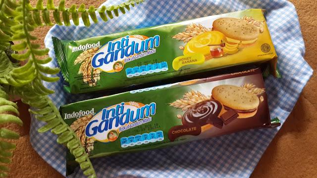 Inti Gandum adalah sandwich gandum peertama di Indonesia. Merupakan cemilan sehat yang penuh kebaikan. Karena terbuat dari 3 bahan utama yang menyehatkan yakni :  Gandum Susu skim  Madunya