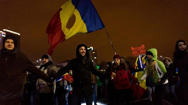 Romanians rally against government for 13th consecutive day
