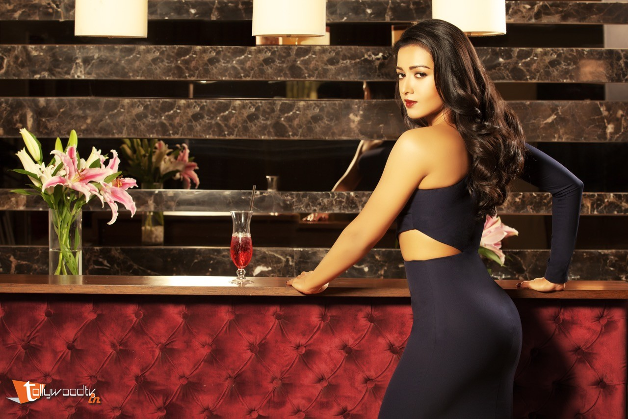 Catherine Tresa Latest Stills-HQ-Photo-4