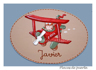 placa de puerta infantil avión con niño nombre Javier babydelicatessen