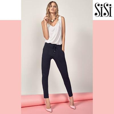 Foto outfit SiSi con pantalone della tuta nero e scarpa col tacco