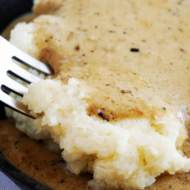 Creamy Cauliflower Mash and Potato Gravy #healthy #keto