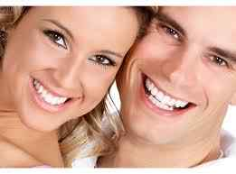Teeth whitening at home: pros and cons