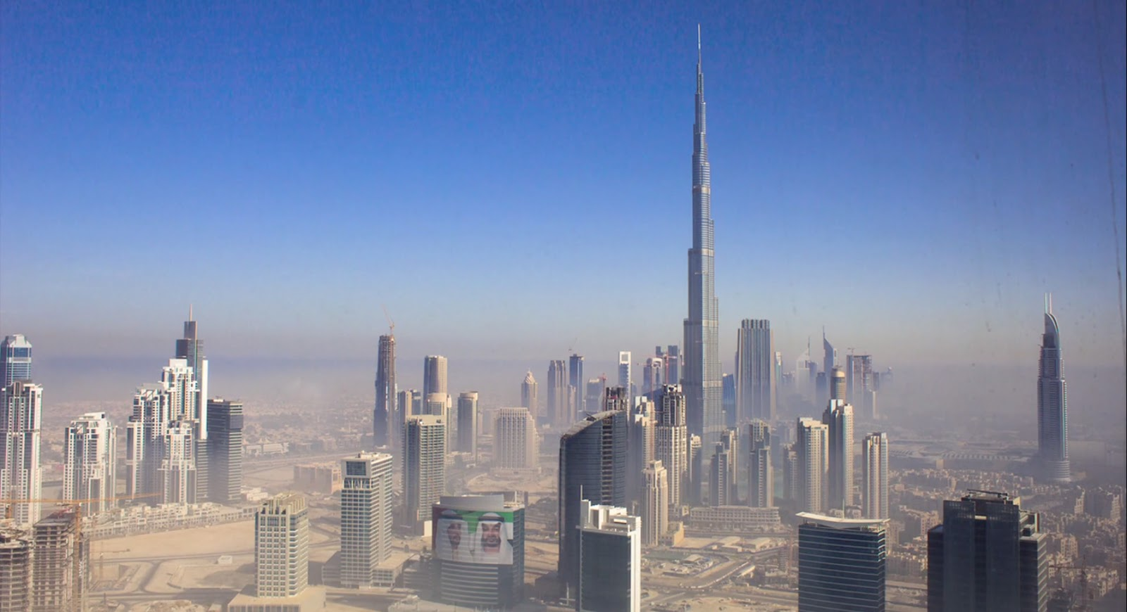 Burj Khalifa – 828 m (Emirados Árabes Unidos)