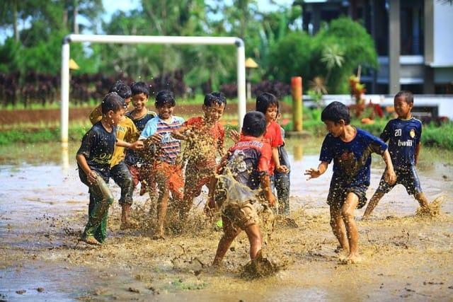 4 Fenomena yang Membuat Cowok Heran. Kasihan Para Pemuda Sekarang Hidupnya Seperi Opini