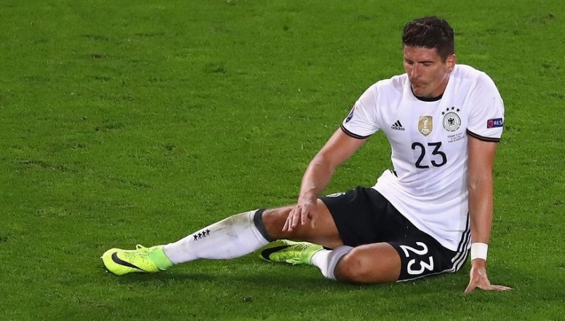 Mario Gomez mengalami cedera hamstring