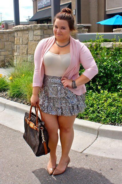 natalie craig, plus size fashion blogger, plus size fashion, chicago fashion, chicago chic, chicago blogger,  class act, sequin skirt, express skirt, poink chiffon cardigan, chiffon blazer, urban outfitters, nude heels, top knot, knot head, top bun