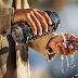 4 طرق ذكية وبسيطة ستجعل هاتفك الذكي مقاوم للماء ،ولن تكلفك شيء !