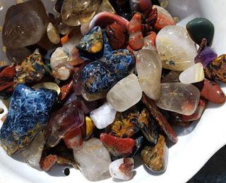 Minerales trabajados en la maquina tamboreadora piedras semipreciosas