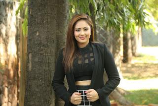 Actress Nikesha Patel Pictures at 7 Naatkal Press Meet  0035