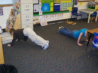 100 exercises on the 100th day of school! Click through for more great ideas! Perfect for your preschool, Kindergarten, 1st, 2nd, 3rd, 4th, 5th, or 6th grade classroom students!
