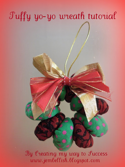 Christmas Yoyo-wreath