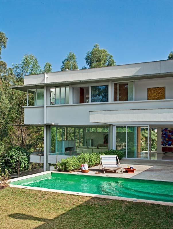 Fotos de casas com piscina e jardim imagens e fotos - Piscinas para casas ...