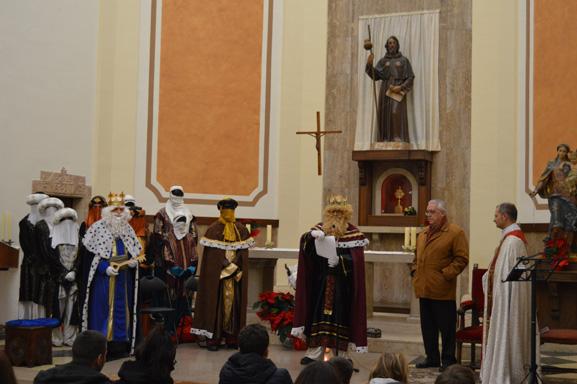 Esguard de Dona - Ofrena a l'Església Parroquial
