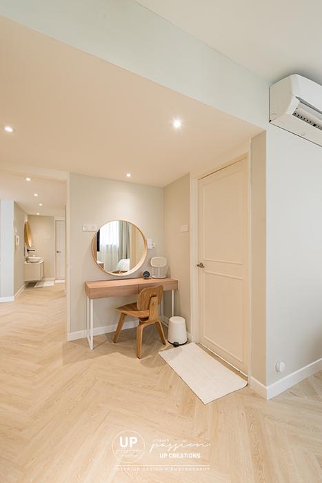 Mont Kiara Pines condo master dressing corner in wood texture dresser with beige color wall paint and herringbone vinyl wood flooring