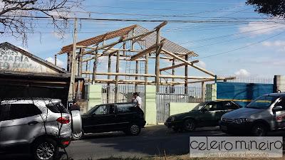 construção em toras de madeira, estrutura