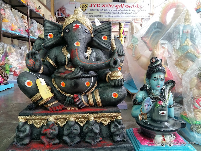 Ganesha idols for sale in art workshop, Ganesh Chaturthi, Mumbai