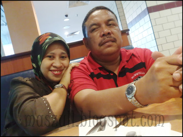 Hapy bornday to me!!!!!....Hubby belanja  makan kat Pizza Hut....