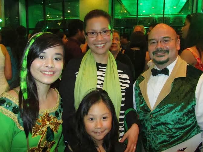 Alessa & Robbie Zialcita with Lea Salonga and daughter, Nicole