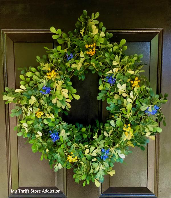 Thrift store boxwood wreath upcycle