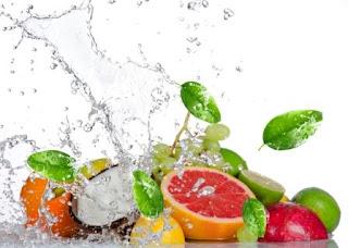 """<img src=""""frutas-ricas-en-agua.jpg"""" alt=""""las frutas-son-ricas-en-agua"""">"""