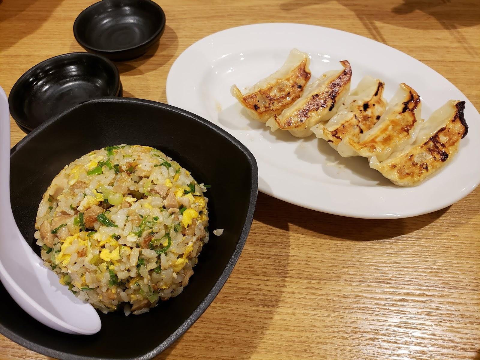 半チャーハン・餃子(瑞穂市ラーメン)