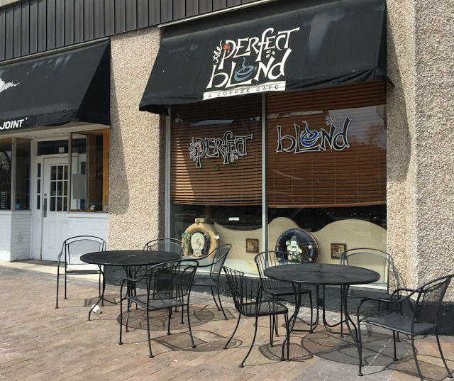 Perfect Blend Coffee Cafe in Highland Park, Illinois