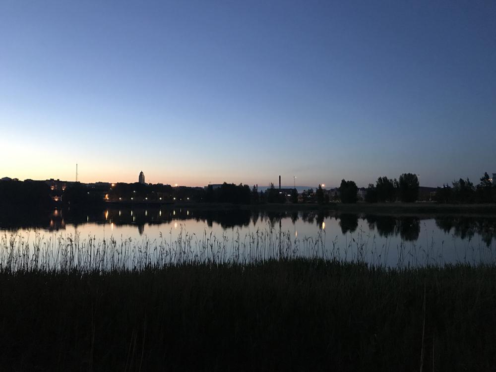 Kaupunkipyörällä auringonlaskusta auringonnousuun 22