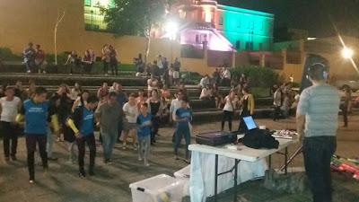 bailando por el planeta en plaza de la democracia, swing criollo, aswingbol