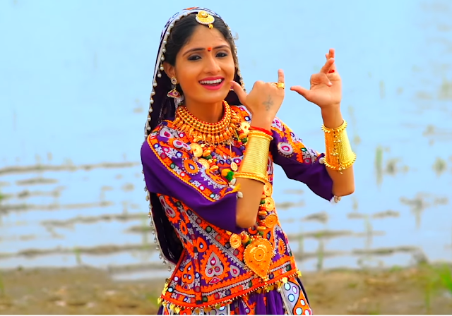 Geeta Rabari HD pics