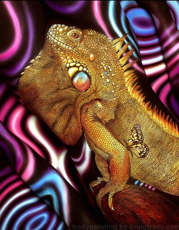 04-Iguana-Craig Tracy-Body-Paintings-on-Skin-Canvases-www-designstack-co