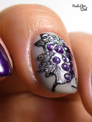 Nail Art - Grappe de raisin relief 3D gel et foil par Nails Arc en Ciel