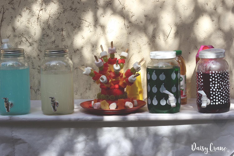 Bonbonnières à limonade et piece montée de fruits