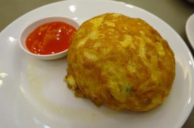 Bangkok, Krua Apsorn, crab omelette