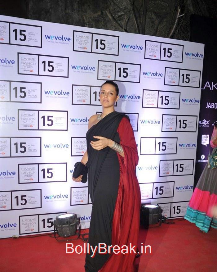 Neha Dhupia, Sridevi, Kajol, Deepika, Neha at Manish Malhotra's show at LFW 2015