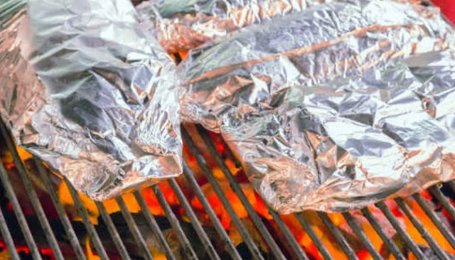 Apakah Aman Menggunakan Alumunium Foil Saat Memasak Makanan?