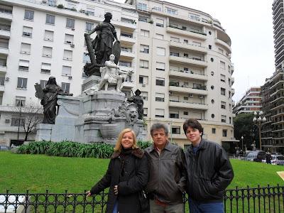 Plaza Carlos Pelegrini; Argentina; Buenos Aires; turismo América Latina; Bairro Recoleta