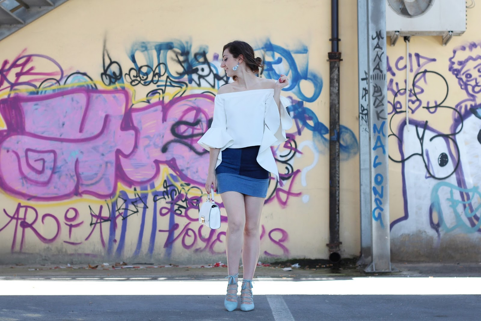 fashion style blogger outfit ootd italian girl italy trend vogue glamour pescara chicwish top volant white denim skirt modern lace up shoes heels new look bag bijou brigitte earrings