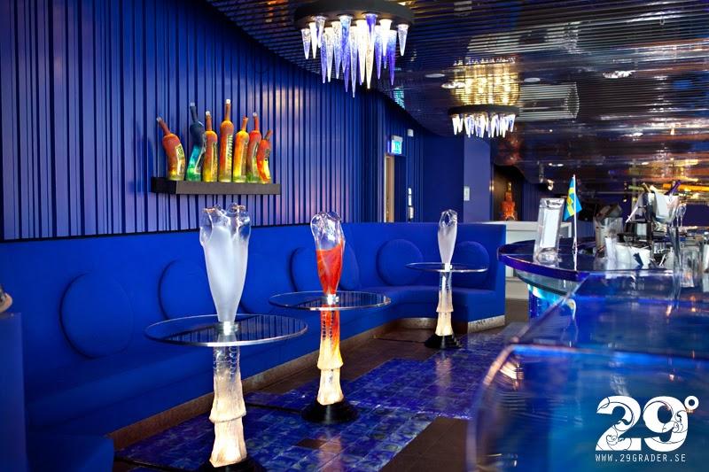 Groovy 29 GRADER: Glasbaren - Kosta Boda Art Hotel FH-05